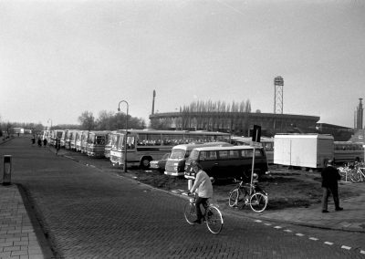 Buses on the Stadionplein, November 18, 1973, Amsterdam (Photo: National Archives of the Netherlands / Anefo)