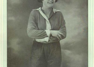 Carmen Pomies, captain of Women's National team France, Très Sport n. 31, Nov 1, 1924 (Photo: Très Sport).