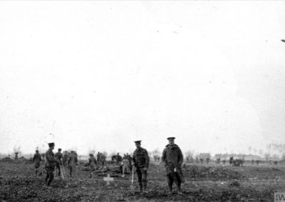 Soldiers burying the dead during the truce, 1914 (Photo: Imperial War Museums, © IWM Q 50720)