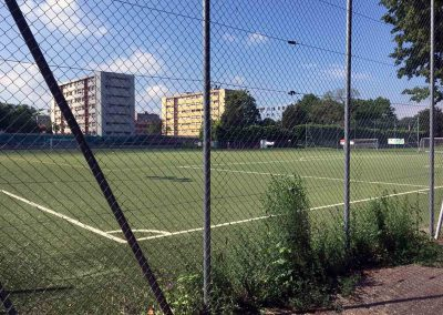 An empty Geneva football pitch during lockdown (Photo: AfricanadeCuba, WikiCommons).